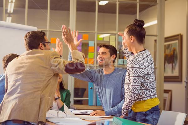 Giovani colleghi discussione ufficio gruppo uomo Foto d'archivio © wavebreak_media