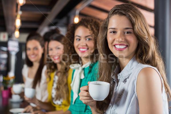 женщины друзей кофе кафе портрет улыбка Сток-фото © wavebreak_media
