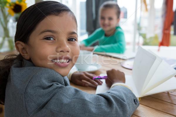портрет улыбаясь деловая женщина Дать Creative служба Сток-фото © wavebreak_media