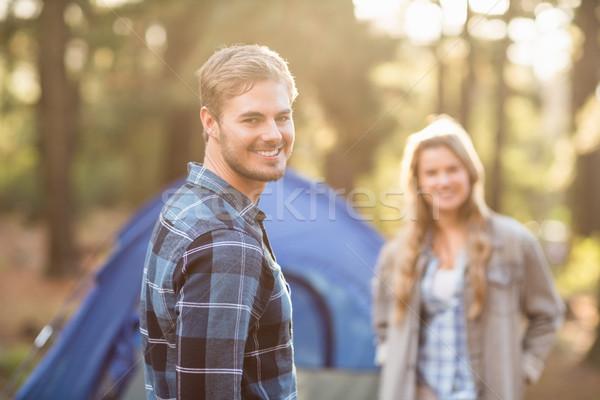 Zdjęcia stock: Szczęśliwy · młodych · para · uśmiechnięty · kamery