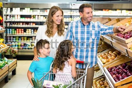 Stock fotó: Mosolyog · család · élelmiszer · táska · áruház · pózol