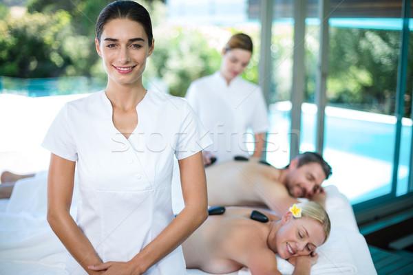 портрет счастливым женщины массажист Spa клиентов Сток-фото © wavebreak_media