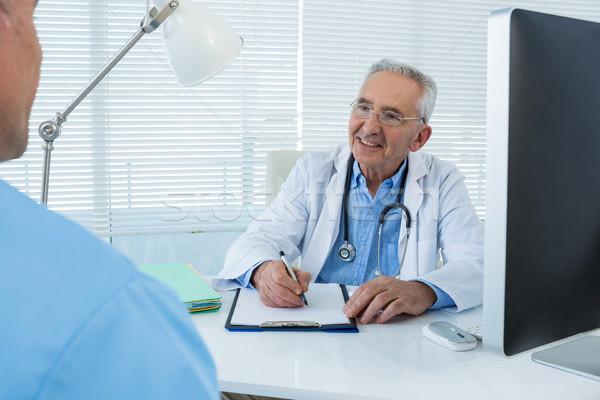 Médico cirurgião clínica homem hospital comunicação Foto stock © wavebreak_media