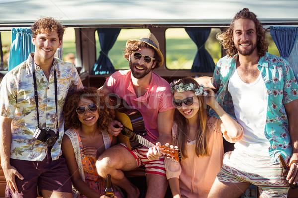 Gruppo amici festival di musica sorridere musica Foto d'archivio © wavebreak_media