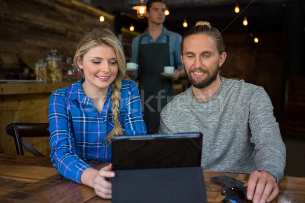 Paar tabel coffeeshop man gelukkig Stockfoto © wavebreak_media