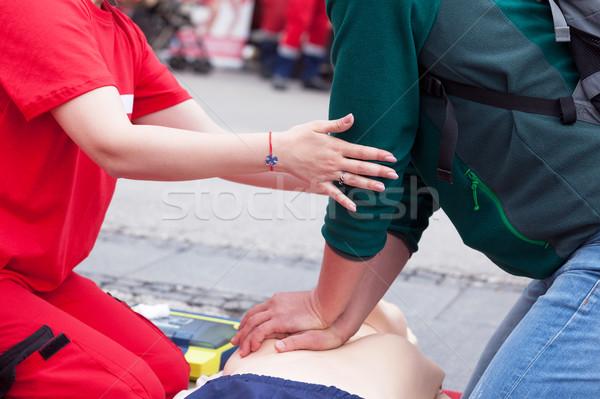 Elsősegély képzés mesterséges lélegeztetés masszázs kéz szív Stock fotó © wellphoto