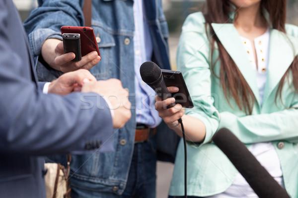 Medya görüşme işadamı politikacı televizyon Stok fotoğraf © wellphoto