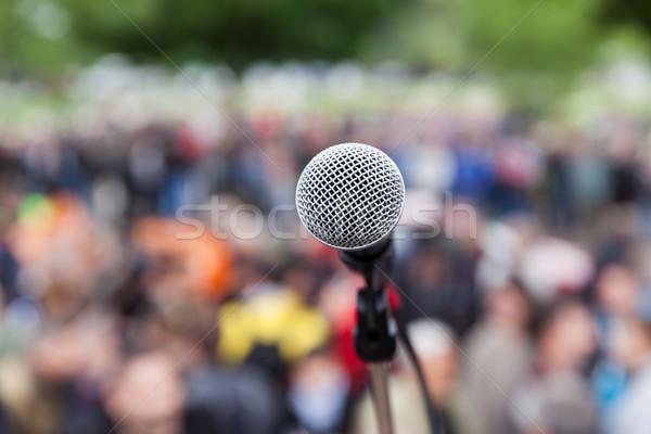 Mikrofon odak bulanık izleyici protesto kalabalık Stok fotoğraf © wellphoto