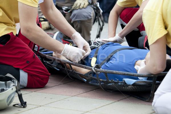 Premiers soins bandage blessés main médecin Photo stock © wellphoto