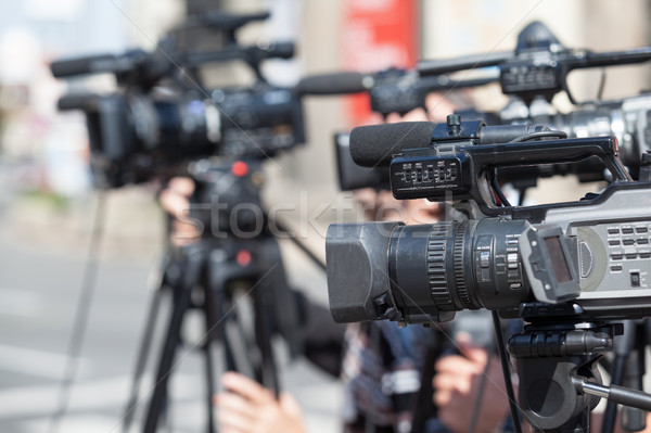 Nieuws conferentie evenement videocamera hand communicatie Stockfoto © wellphoto