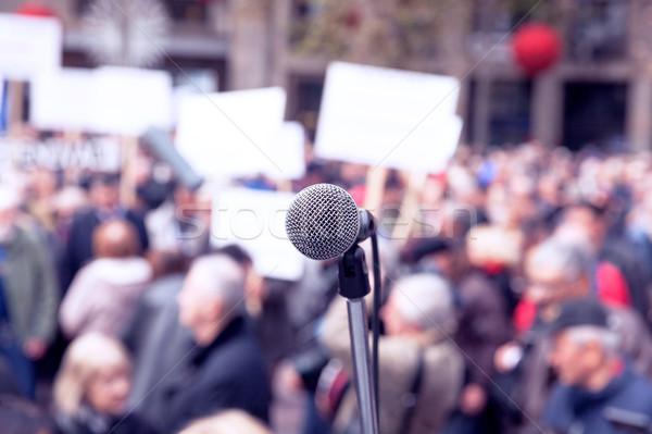 Protestu publicznych demonstracja mikrofon skupić zamazany Zdjęcia stock © wellphoto