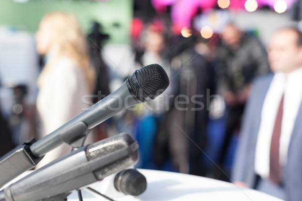 Nieuws conferentie persconferentie vergadering microfoon spreker Stockfoto © wellphoto