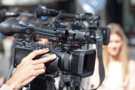 Caméra vidéo événement télévision micro nouvelles conférence Photo stock © wellphoto