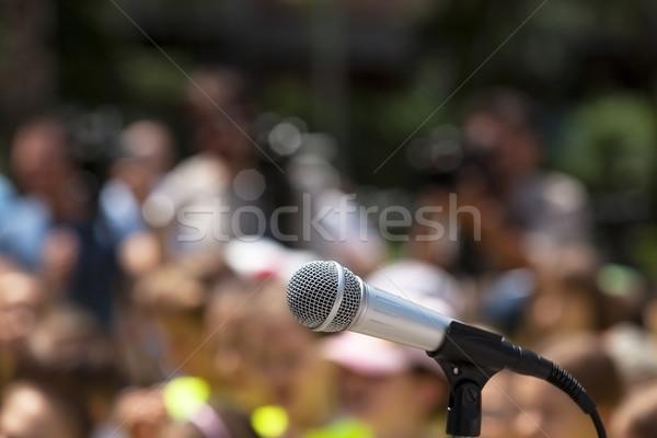 Mikrofon fókusz elmosódott közönség csoportkép konferencia Stock fotó © wellphoto