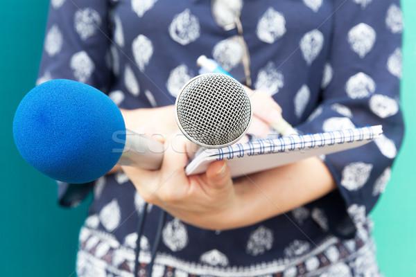 Stockfoto: Vrouwelijke · verslaggever · nieuws · conferentie · journalist
