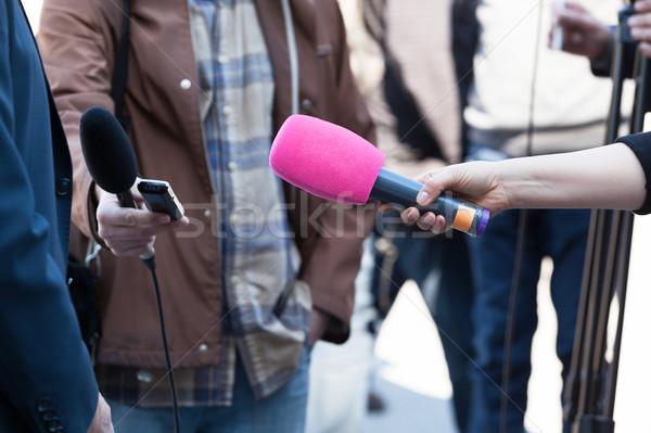 Média interjú tart televízió mikrofon rádió Stock fotó © wellphoto