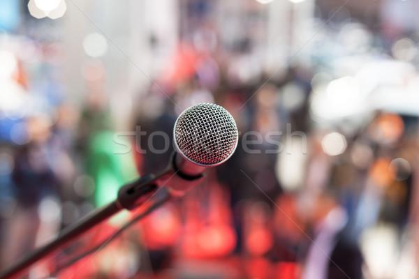 Mikrofon odak bulanık izleyici iş haber Stok fotoğraf © wellphoto