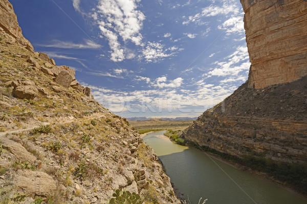 Guardando fuori deserto canyon grande Foto d'archivio © wildnerdpix