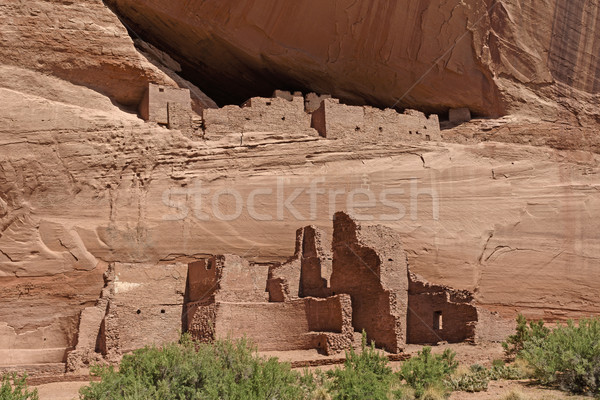 Antigo penhasco rochas desfiladeiro primavera edifício Foto stock © wildnerdpix