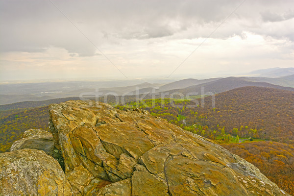 Desnudo rocas oriental montanas azul Foto stock © wildnerdpix