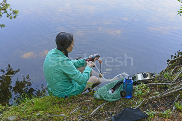 水 鐘 湖 女性 キャンプ ストックフォト © wildnerdpix