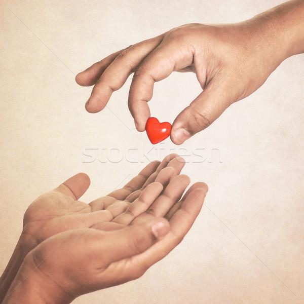 Amor mão coração vintage estilo saúde Foto stock © winnond