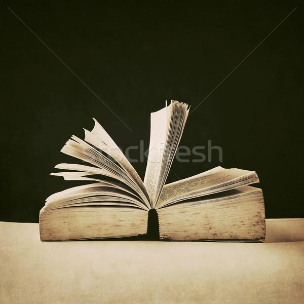Eski kitap tahta doku kitap arka plan Stok fotoğraf © winnond