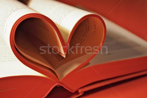 Photo stock: Romance · coeur · livre · papier
