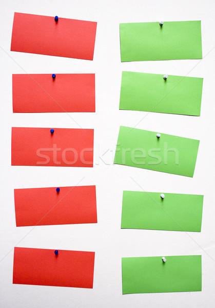 Cinco vermelho verde notas anexada escritório Foto stock © winterling