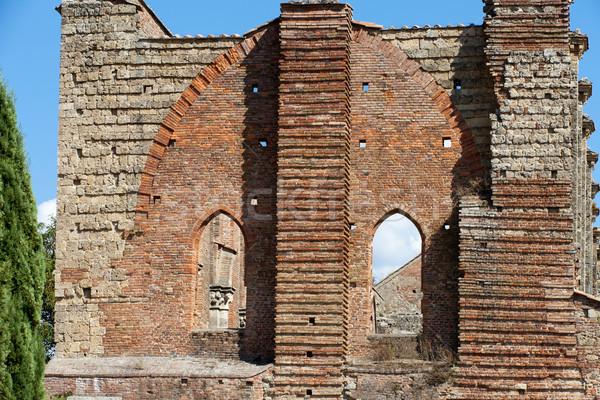 Manastır Toskana pencere kilise tuğla Stok fotoğraf © wjarek