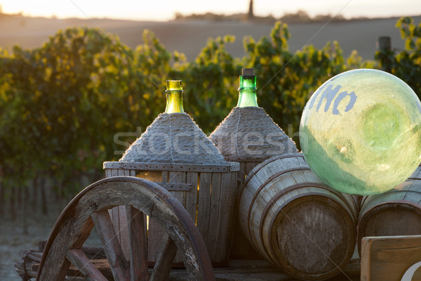 Araba şarap şişeler ahşap gün batımı yeşil Stok fotoğraf © wjarek