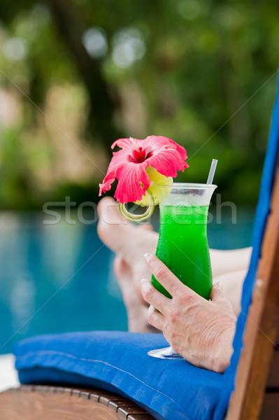 Trópusi koktél friss dzsúz felszolgált medence Stock fotó © wollertz
