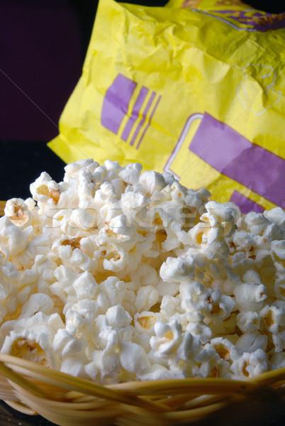 Popcorn pop mais geïsoleerd zwarte ontbijt Stockfoto © wxin