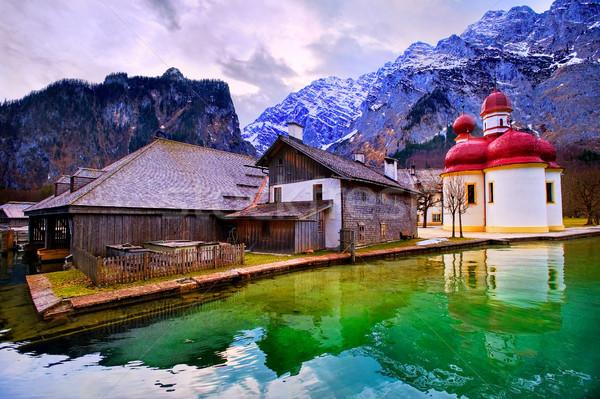 Iglesia montana lago alpes montanas Alemania Foto stock © Xantana