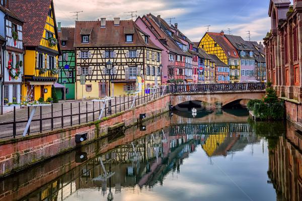 Coloré médiévale ville eau bâtiment ville Photo stock © Xantana