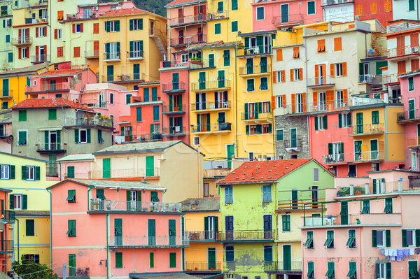 Geleneksel İtalyan renkli evler İtalya yeşil Stok fotoğraf © Xantana