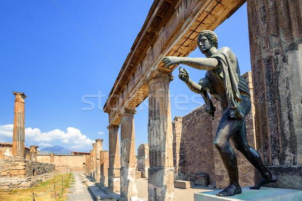 Foto d'archivio: Rovine · tempio · antichi · bronzo · statua · distrutto