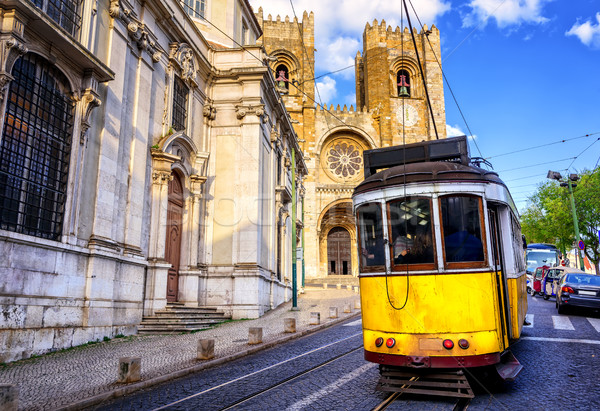 Histórico amarillo tranvía catedral iglesia viaje Foto stock © Xantana