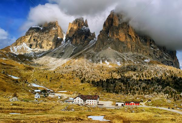 Felhők hegyek Alpok csoport hegy égbolt Stock fotó © Xantana