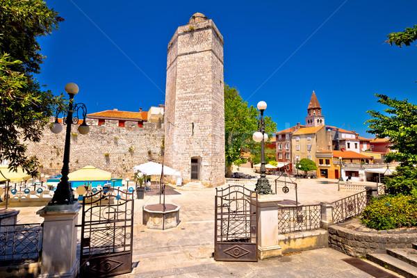 Cinco praça arquitetura histórica ver cidade natureza Foto stock © xbrchx