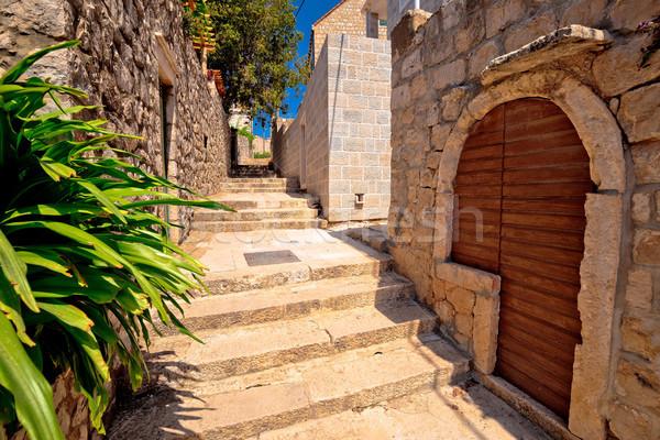 Edad piedra calle ciudad sur edificio Foto stock © xbrchx