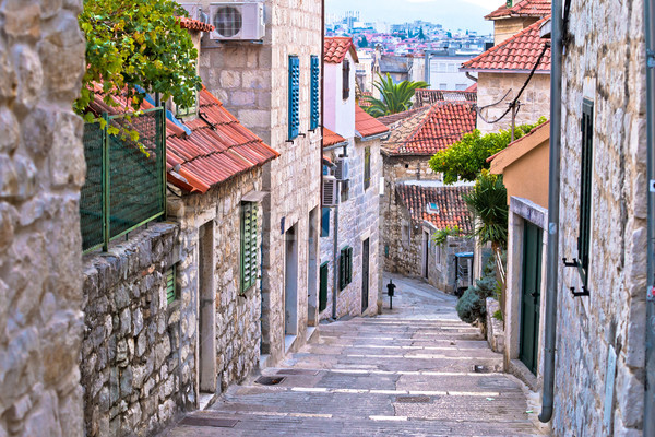Eski taş sokak şehir ev Stok fotoğraf © xbrchx