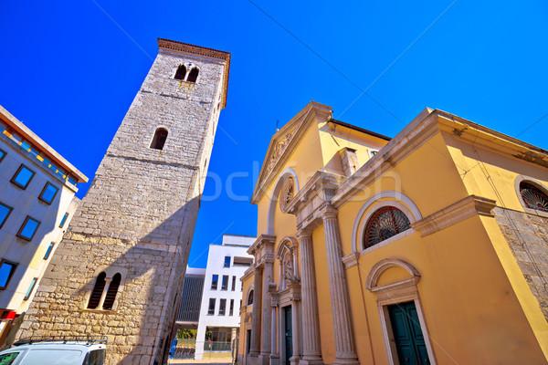 Kerk vierkante uitzicht op straat straat oceaan Blauw Stockfoto © xbrchx