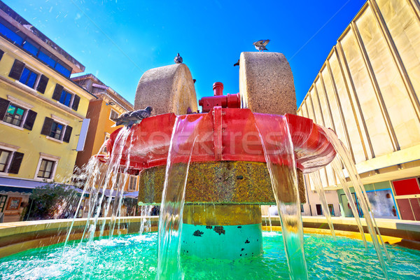 Piazza fontana view acqua strada blu Foto d'archivio © xbrchx