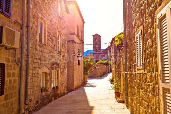 Történelmi város utca templom kilátás félsziget Stock fotó © xbrchx