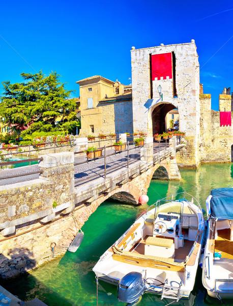 Ciudad entrada paredes vista región Italia Foto stock © xbrchx