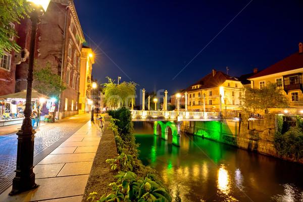 Rivière bord de l'eau vue bâtiment ville Photo stock © xbrchx