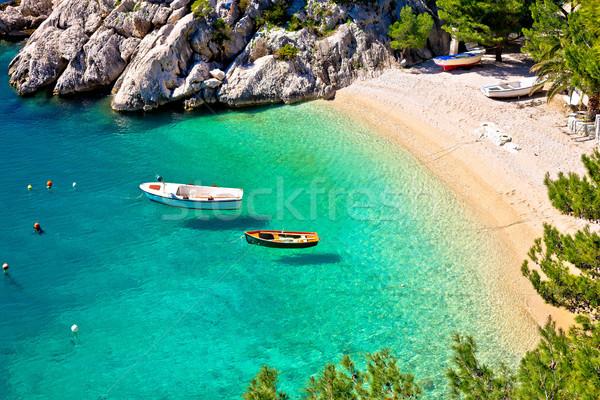 Pastoral plaj su deniz dağ Stok fotoğraf © xbrchx