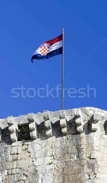 Flagge Kroatien tricolor unter Burg Himmel Stock foto © Ximinez