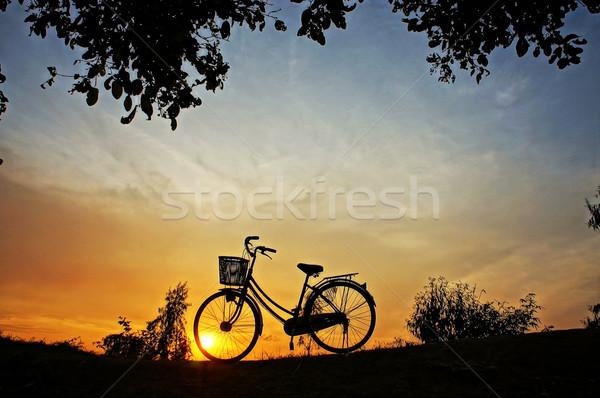 Randevú egy impresszionista naplemente